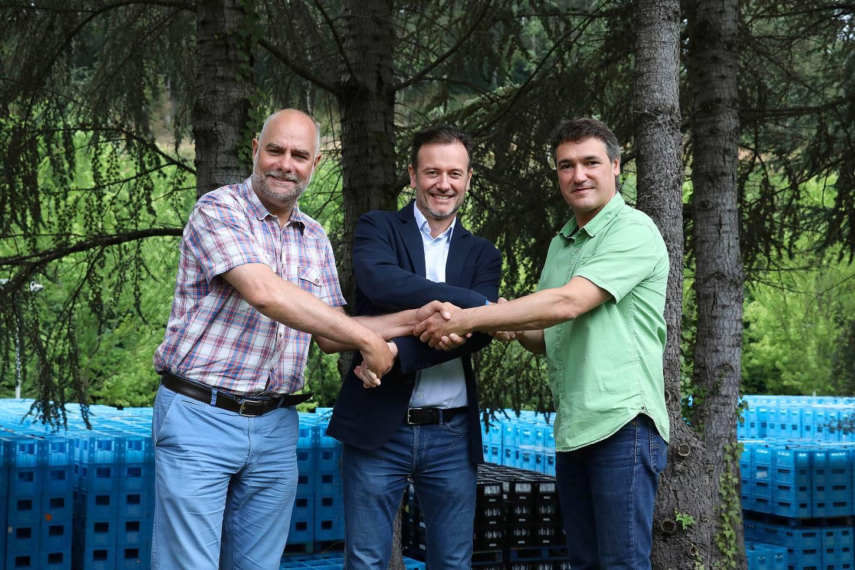Font Vella, SÈLVANS y el Ayuntamiento de Sant Hilari Sacalm se comprometen a preservar la biodiversidad de la zona que en la que nace Font Vella